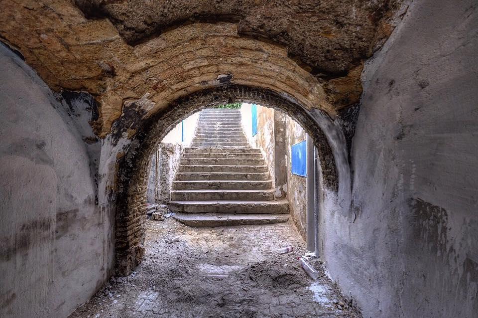 dark alley in the Tunis Medina.